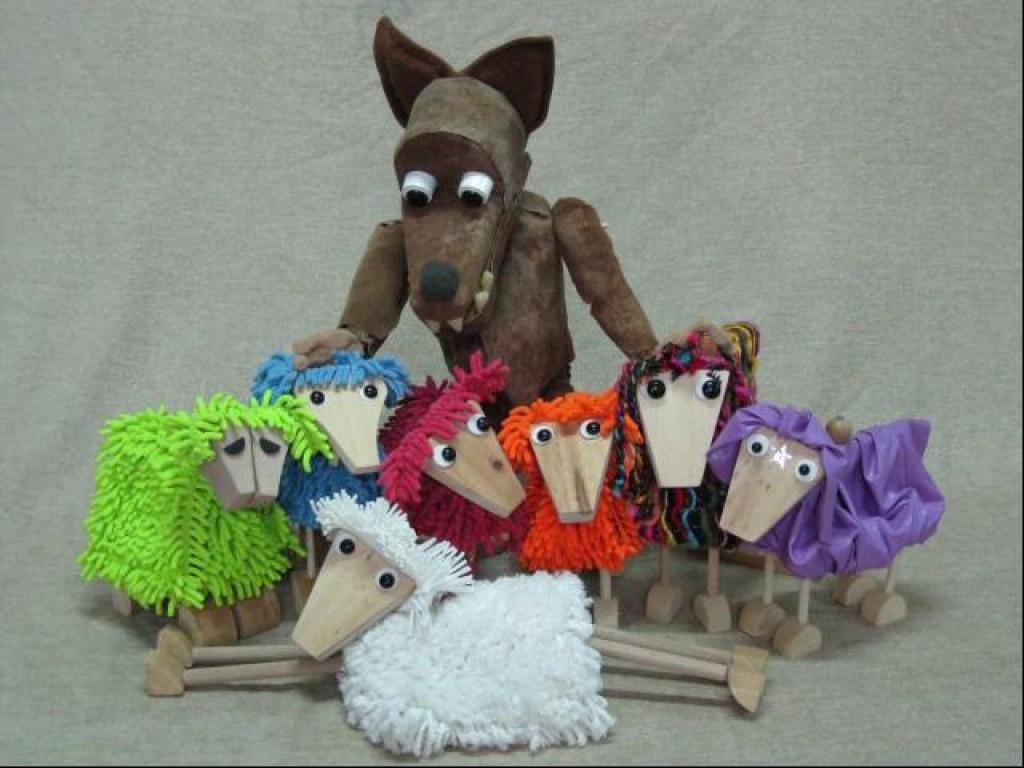 Ciclo Escena en familia Las siete cabritillas y el lobo