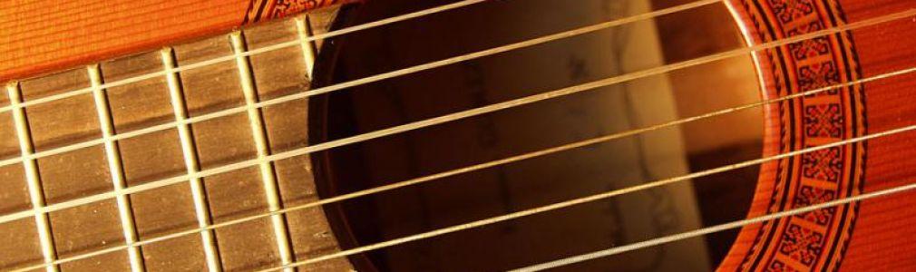 VI ciclo 'Acude e escoita': Concierto de guitarra y percusión
