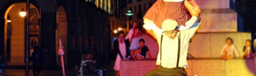'Verán na rúa 2014': 'Amada & Amador: Encuentro en la luna'