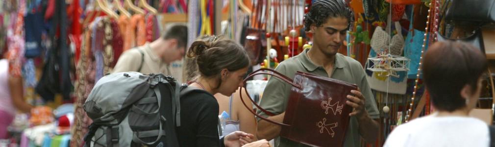 Shopping in: Street Markets