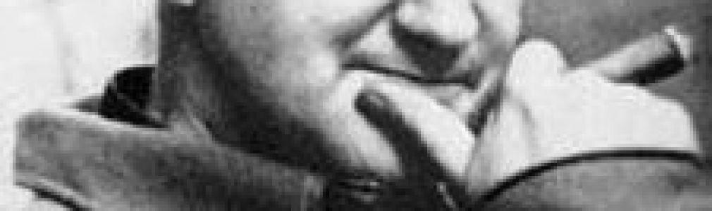 VIII Muestra de Teatro Universitario: 'Os fusís da señora Carrar'