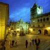 Vista nocturna de la Plaza de las Platerías